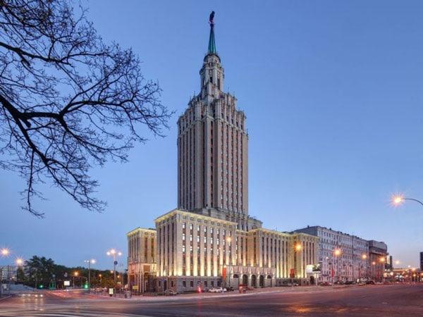Hillton-Moscow_z-768x576