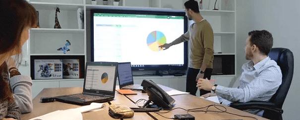 transformation digitale de l'entreprise avec l'écran interactif