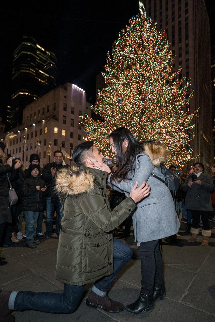 Photo Christmas Tree Marriage Proposal | VladLeto