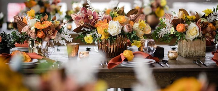 Young Lion's modern loft space was the perfect venue to showcase our geometric rental pieces, using mixed metallic and black accents. We love that these brew colored florals could work in any season!