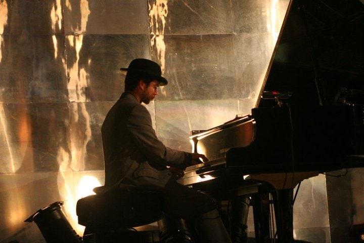 Greg Aguilar en concert avec la Cie Rosemonde