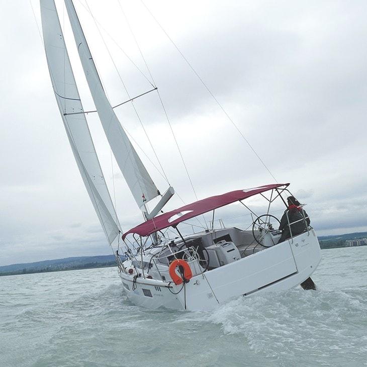 Jeanneau Sun Odyssey 410 sailboat charter | Füredyacht Charter