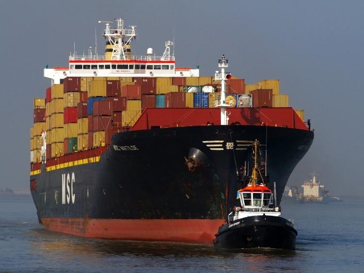 hajó tenger konténer