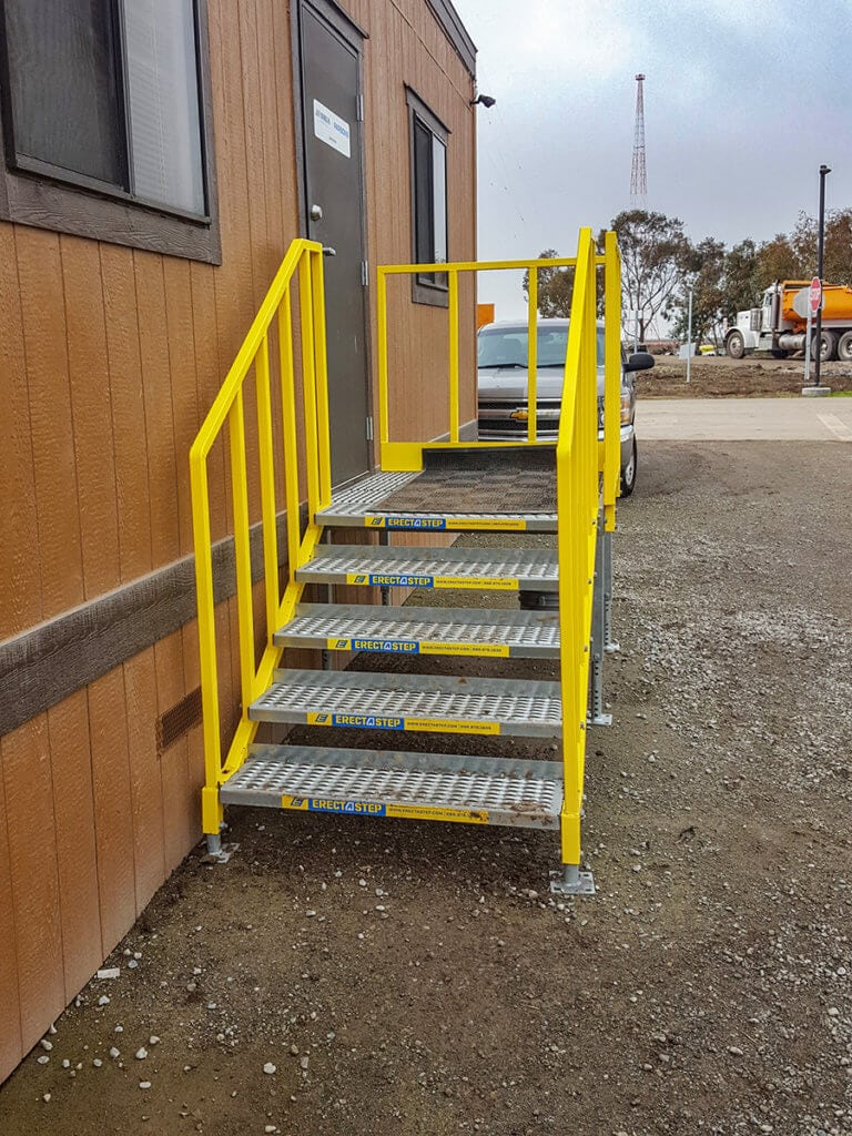 OSHA compliant portable 5 step left access stair unit