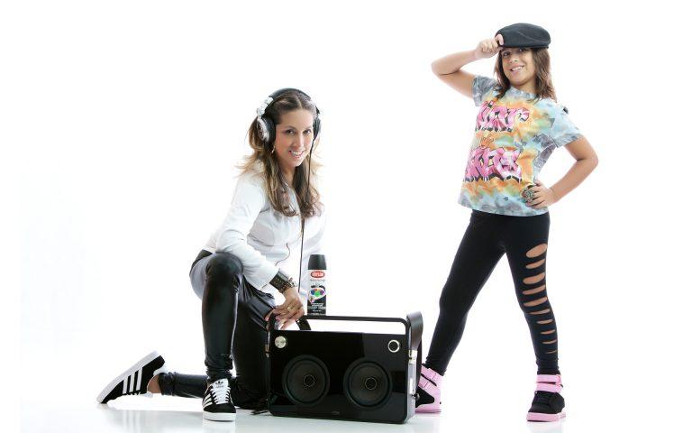 mother-daughter-disco-photo-juliati-portrait-photography