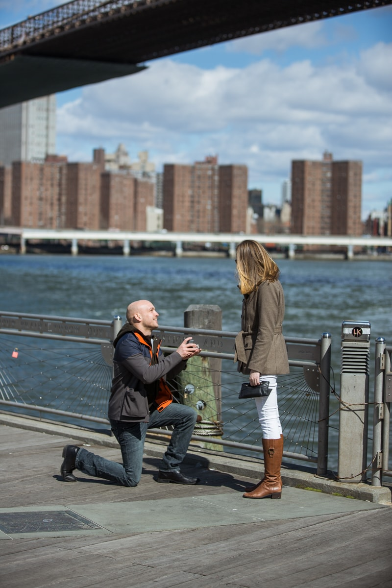 Photo Marriage proposal at Brooklyn Bridge Park   VladLeto