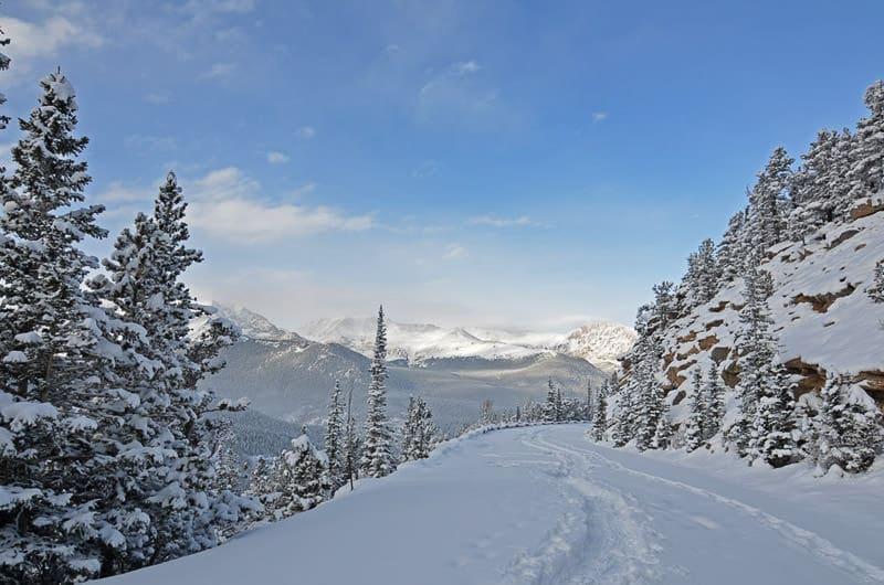 trail ridge road in Winter in RMNP