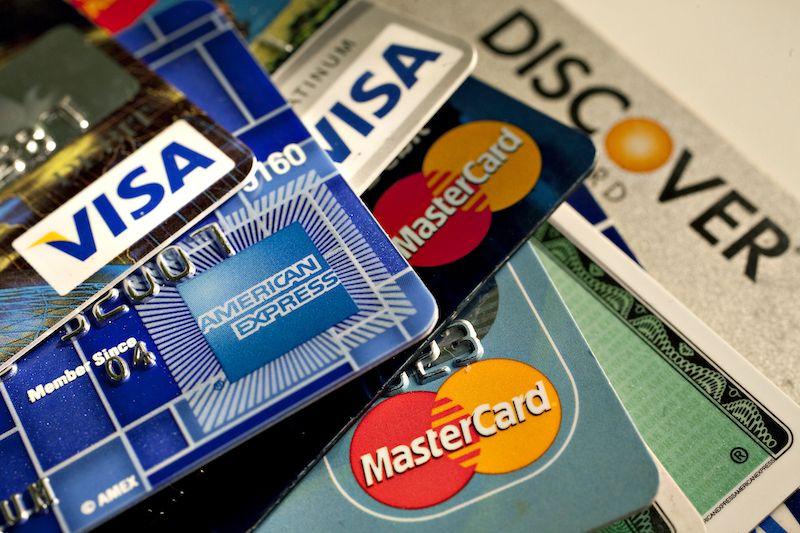 Joustoluotto vai luottokortti