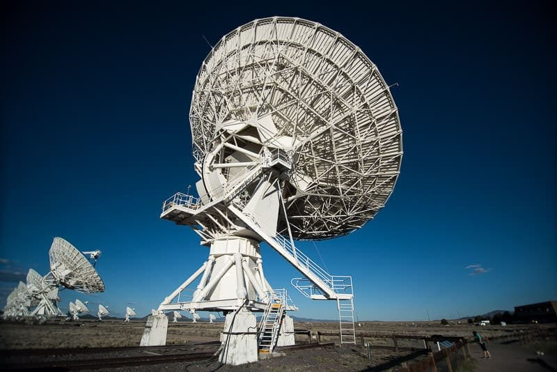 giant satellite at the very large array from behind