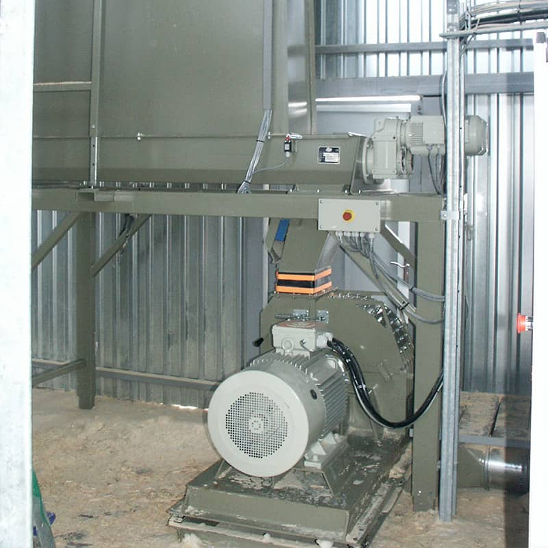 Hammer mill wood grinder for pettels and briquetting with buffer silo at costumers production facilities