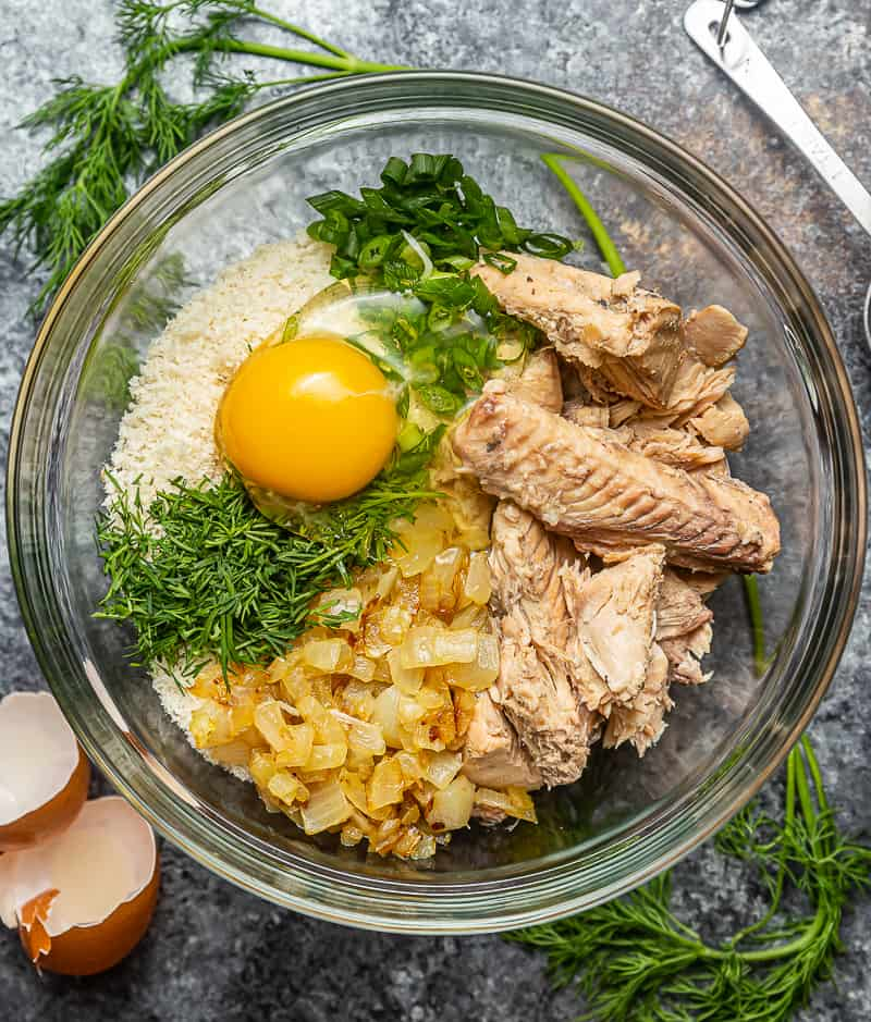 ingredients for salmon patties with canned salmon