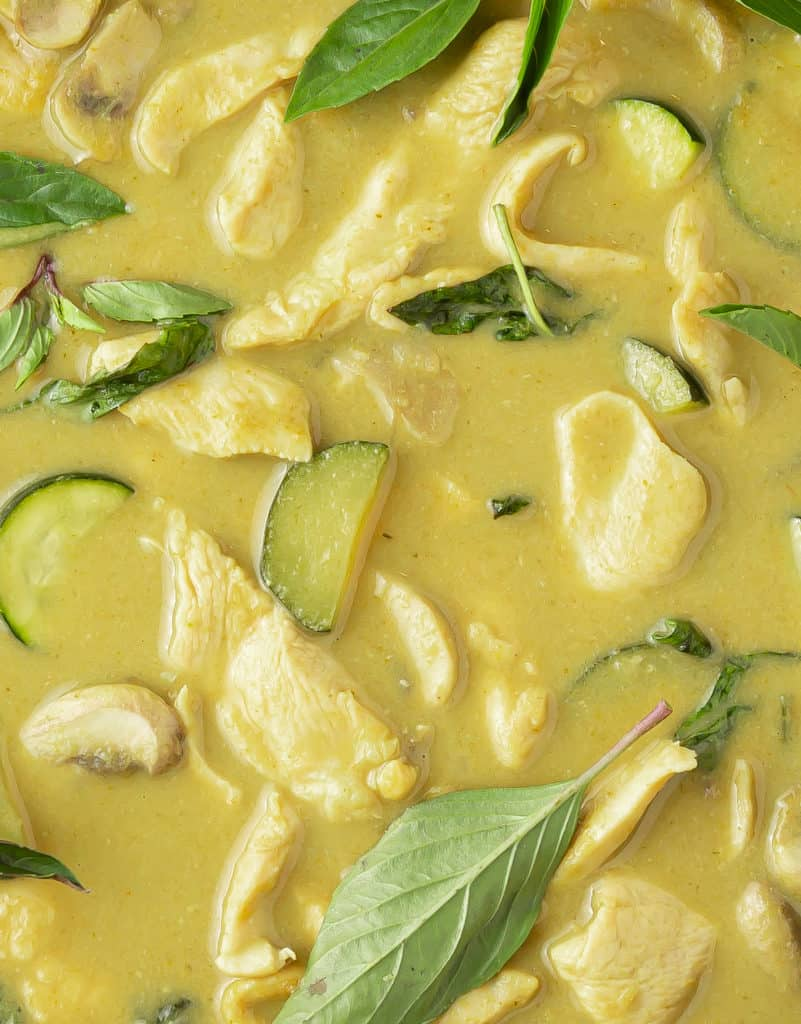 closeup of thai green curry with chicken