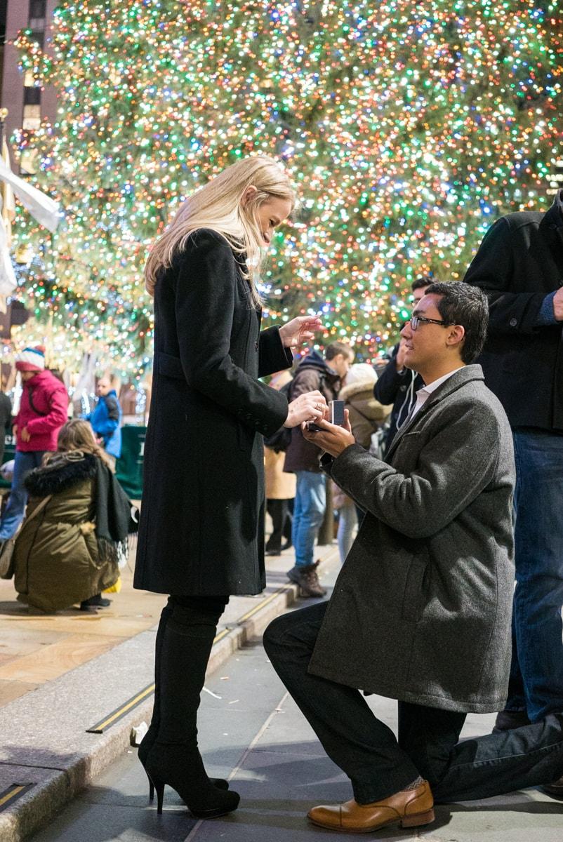 Photo Christmas tree at Rockefeller Center secret proposal   VladLeto