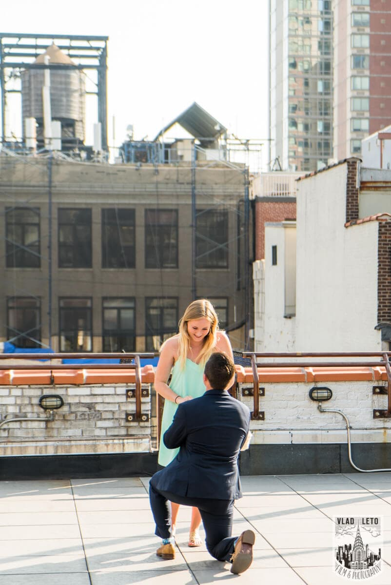 Photo Empire State building view Marriage proposal.   VladLeto