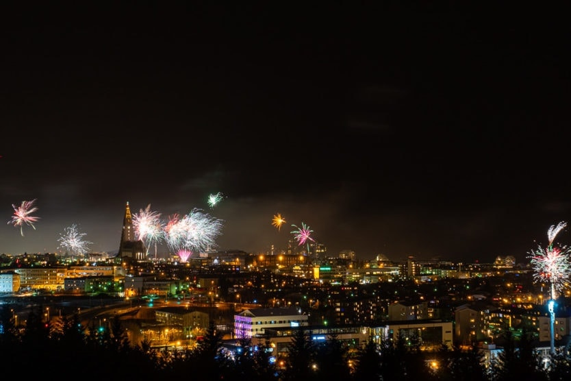 iceland new year views from perlan reykjavik fireworks viewing with downtown views of Hallgrímskirkja