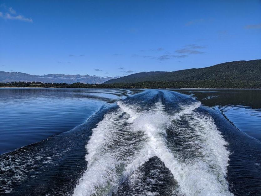 cruise across manapouri lake in doubtful sound