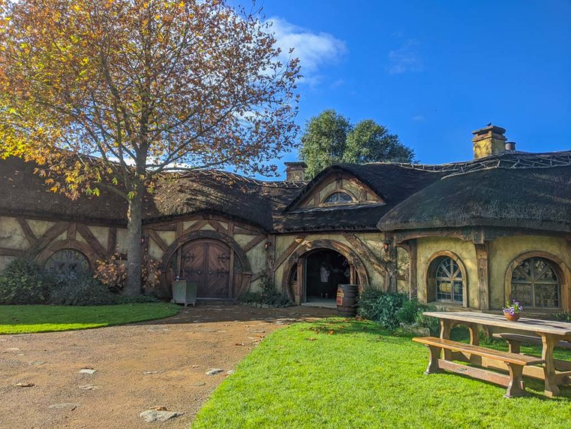 visiting hobbiton in new zealand - green dragon inn