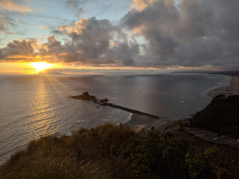 mangawhai heads cliff walk new zealand