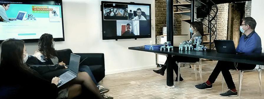 très grand écran interactif pour réunion