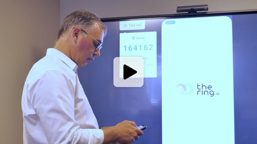 vidéo témoignage de l'entreprise The Ring sur l'utilisation d'un écran interactif 86''