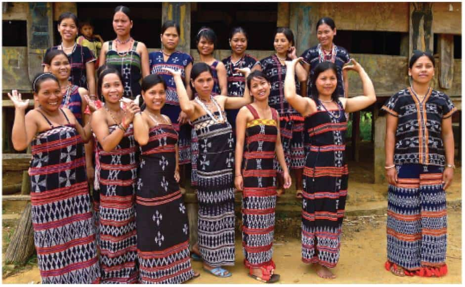 The Brocade Weavers of the Central Highlands