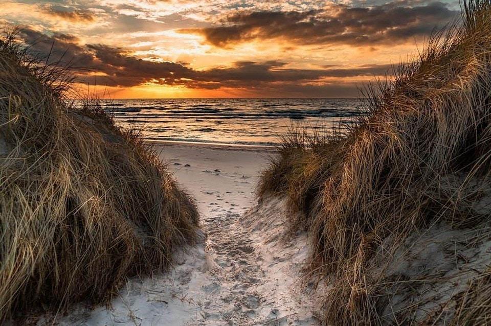 Dünen - Sonnenuntergang an der Ostsee