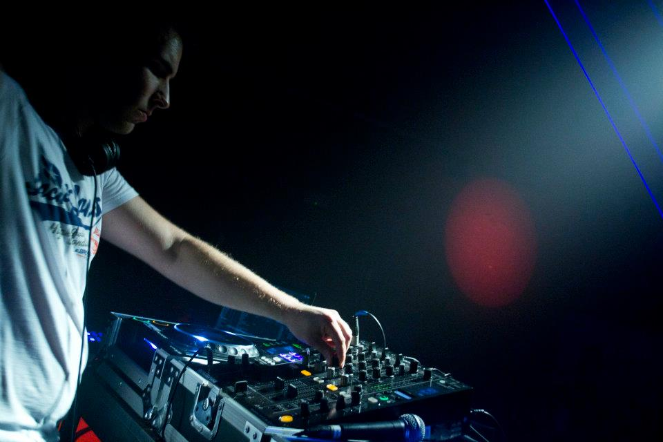 Party DJ Ian Fox in de mix