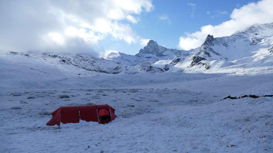 Überraschung am Folgemorgen, 10cm Neuschnee auf 2500m Höhe und Minusgrade