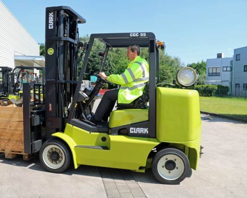Compact forklift with LPG drive CGC40-70 (5)