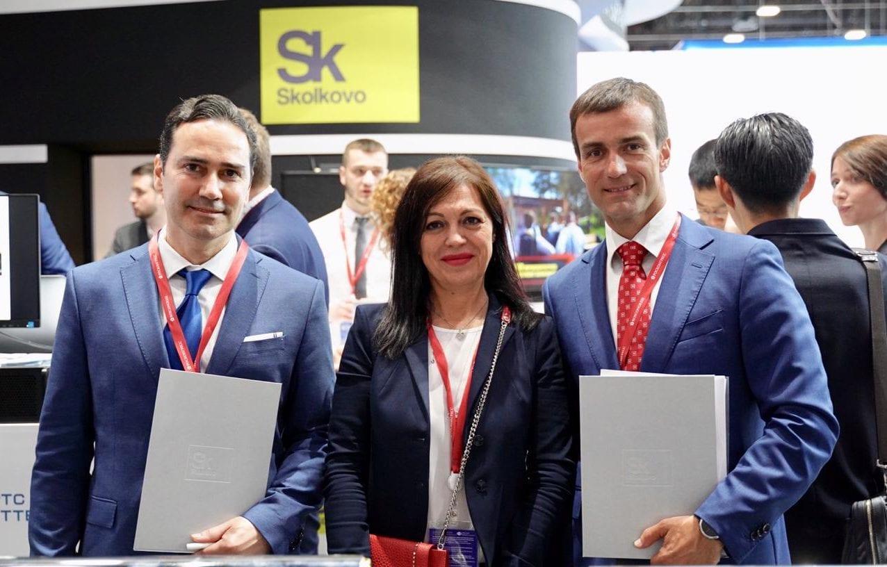 Подписание меморандума между ИЦ «Сколково» и компанией OPT в рамках ПМЭФ — 2019