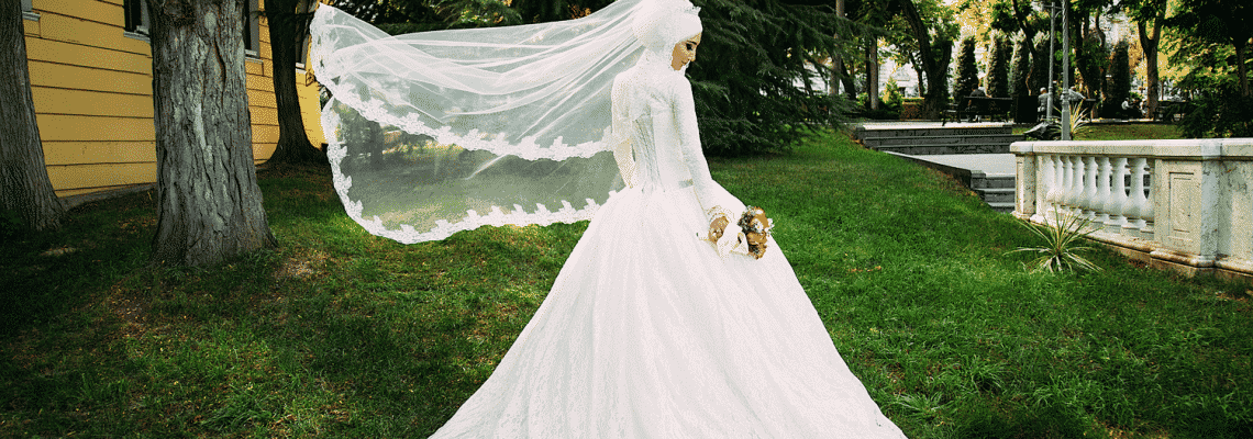 A bride in nature. Facts about women in Islam.