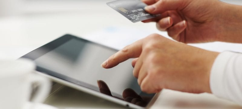 10-Reasons-To-Use-A-Credit-Card-Instead-Of-Cash