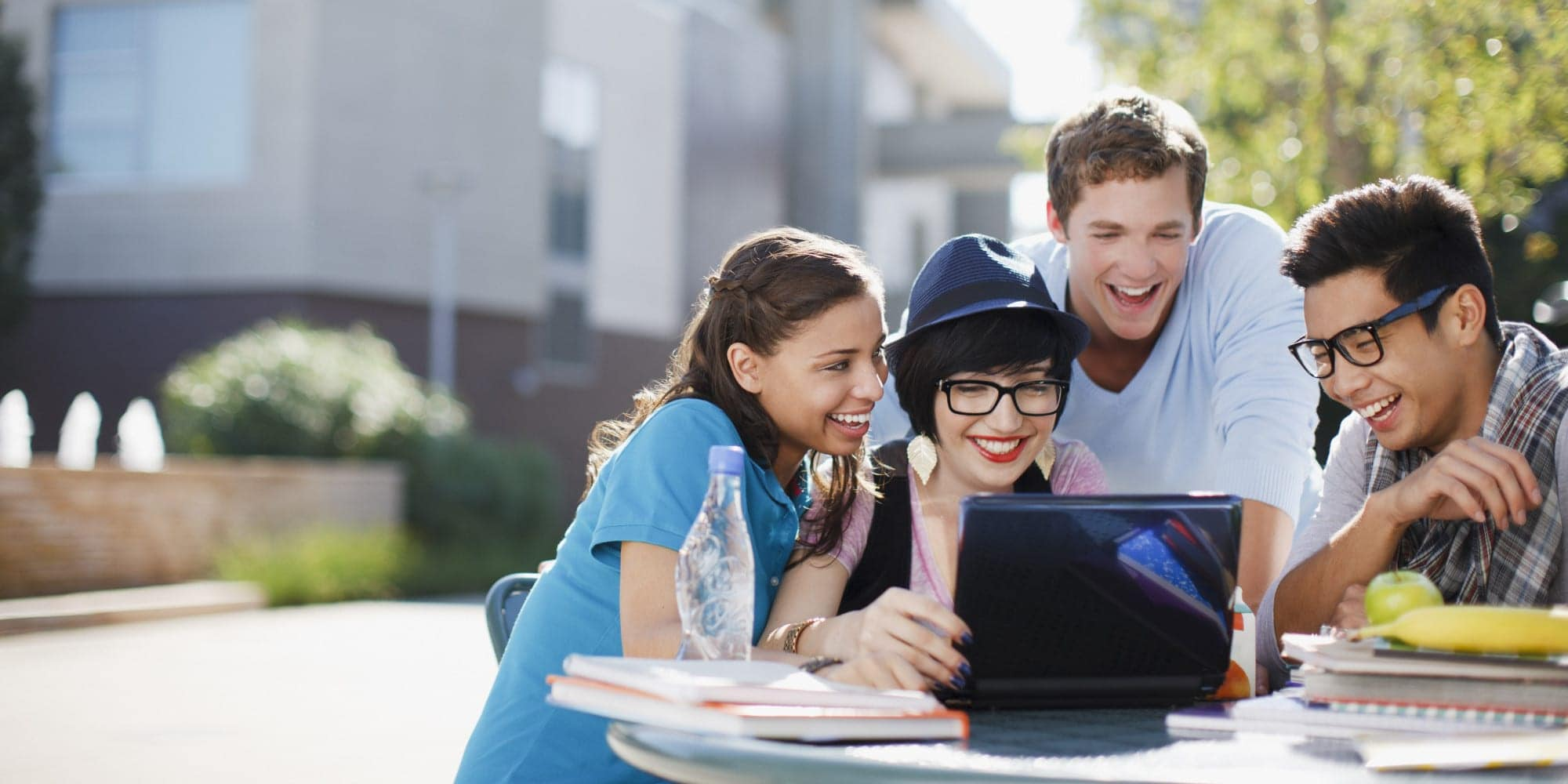 Is It Worth Getting A Credit Card In College? Answering Here
