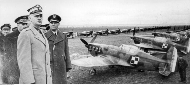 W katastrofie lotniczej w Gibraltarze zginął ze współpracownikami gen. Władysław Sikorski, premier RP i Naczelny Wódz
