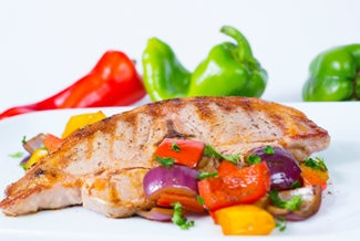 Lammsteaks auf Paprika-Zwiebel-Gemüse