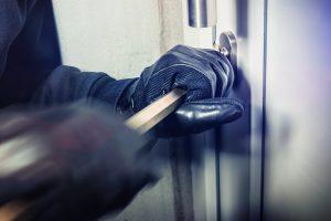 Tipp zum Bau erklärt Ihnen alles Wissenswerte zur Parade-Disziplin einer Alu-Haustür – Einbruchsicherheit.