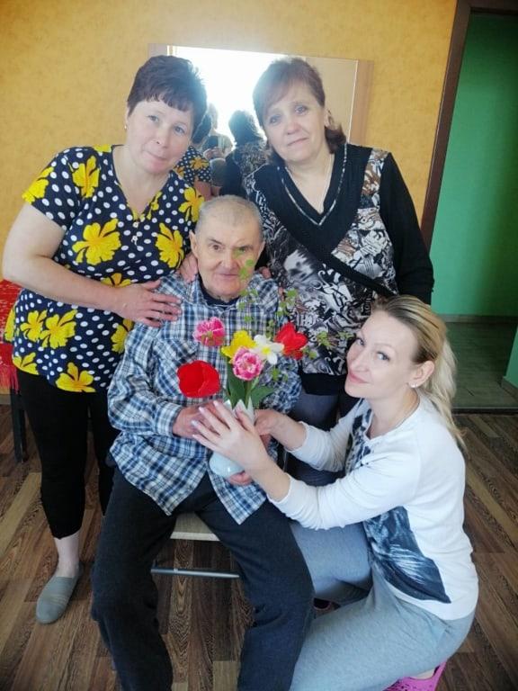 Поздравление ветеранов в доме престарелых