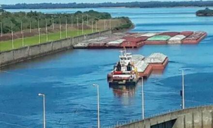 Barcazas con soja paraguaya empiezan a salir por esclusa de Yacyretá
