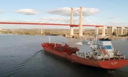 Vías navegables en el centro de la escena logística