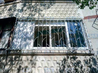 Кованые решетки на балкон в Харькове