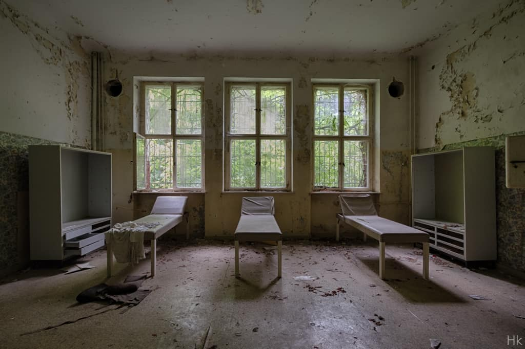 mother-russia-hospital-16