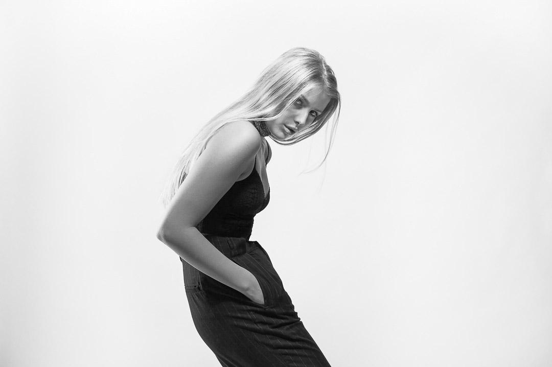 Alessia Lyon,