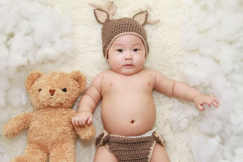 Newborn Photo Ideas funny hat