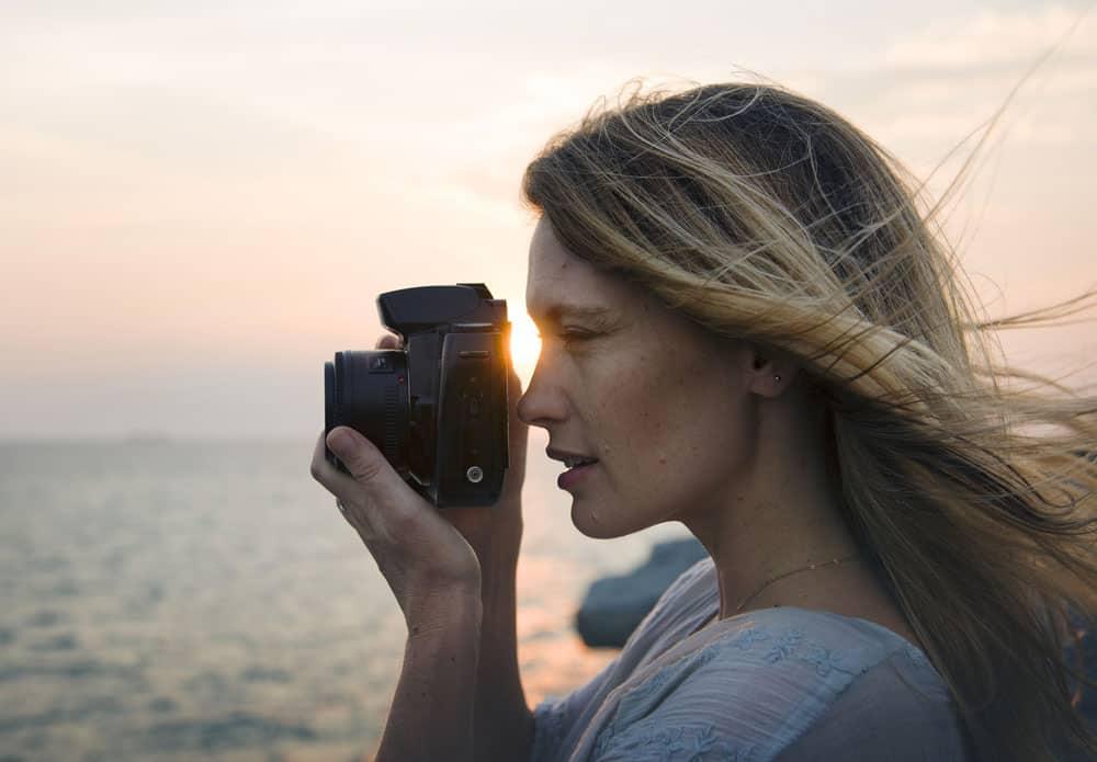 girl photographer Best Photography Tips for Beginners