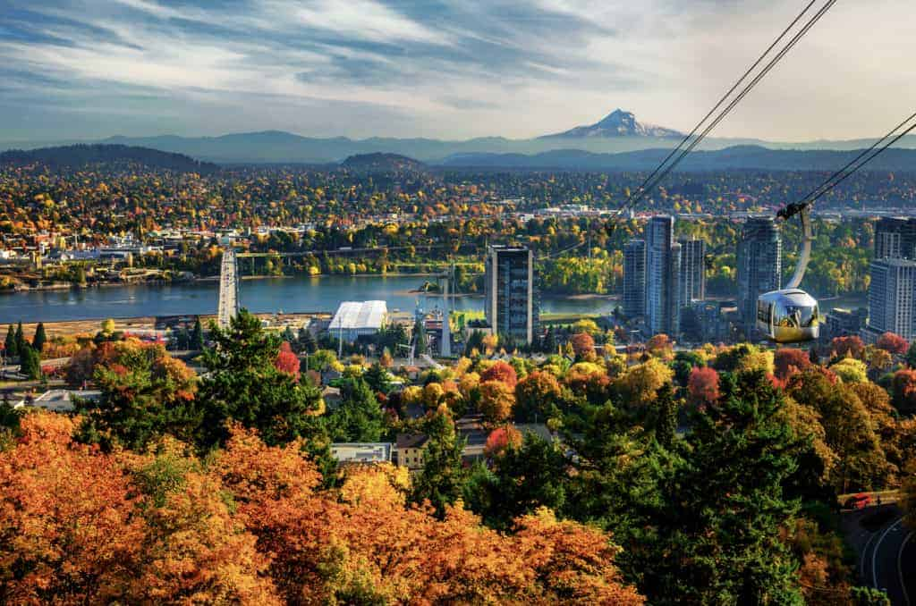 Portland, Oregon skyline view.