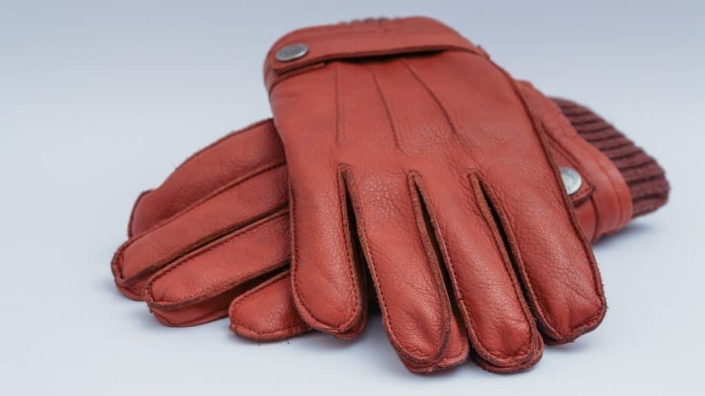 Hiking glove