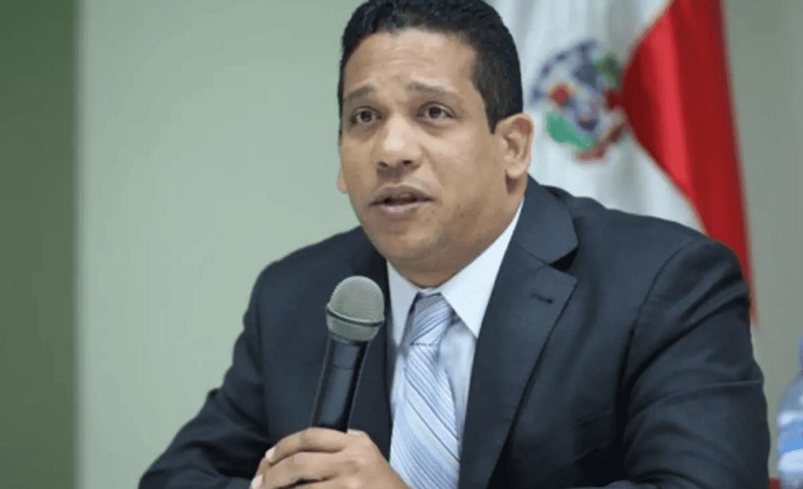 Carlos Pimentel.