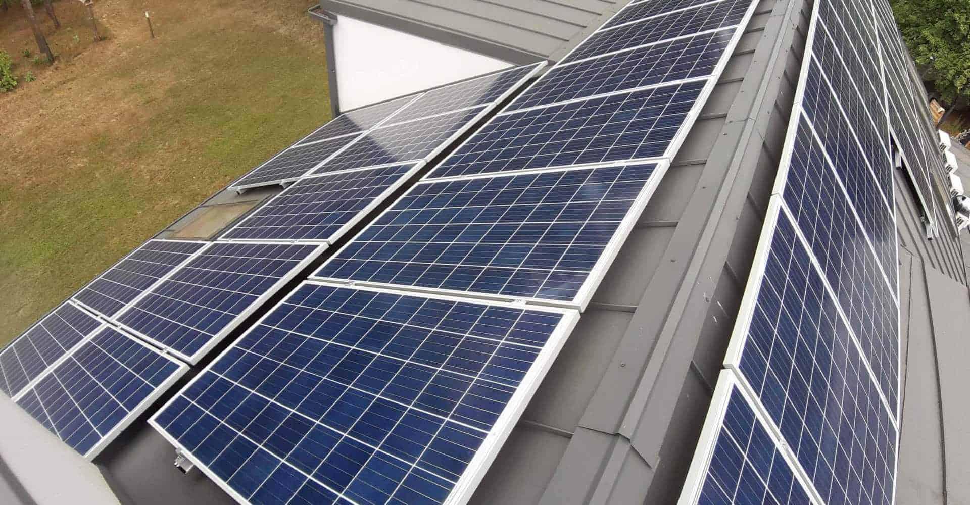 panele słoneczne w instalacjach fotowoltaicznych