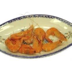 Travessa colorida com camarão