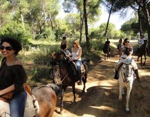 Paseo a caballo en Centro Ecuestre Entrepinares